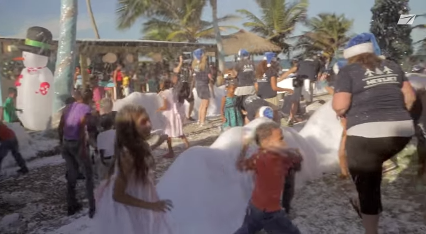 Buzzworthy_WestJet_snowball_fight