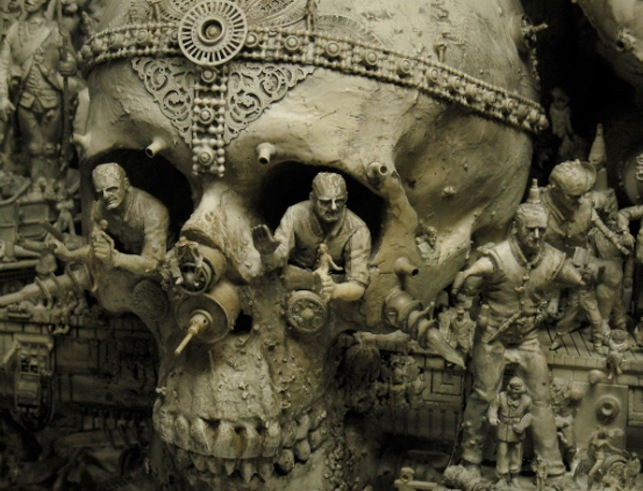 0027_30c421d8-kris-kuksi-esculturas-pinturas-famoso