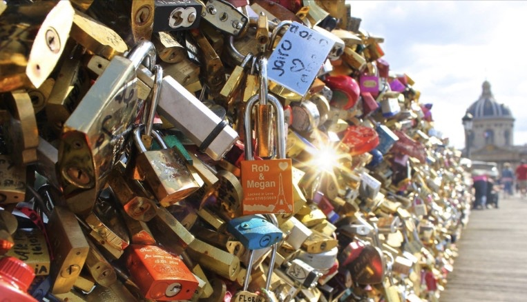 Paris is Auctioning Its 'Love Locks' to Help a Noble Cause