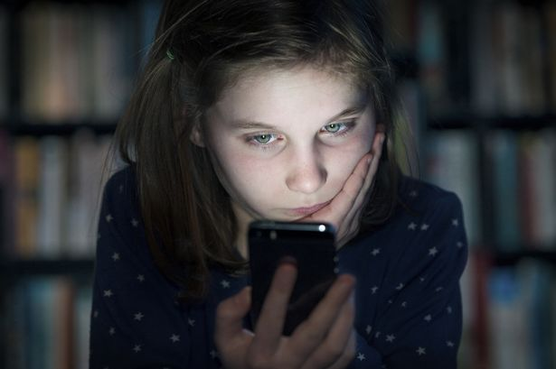 Here's How Phones & Screen Time Really Impact Kids' Mental Health