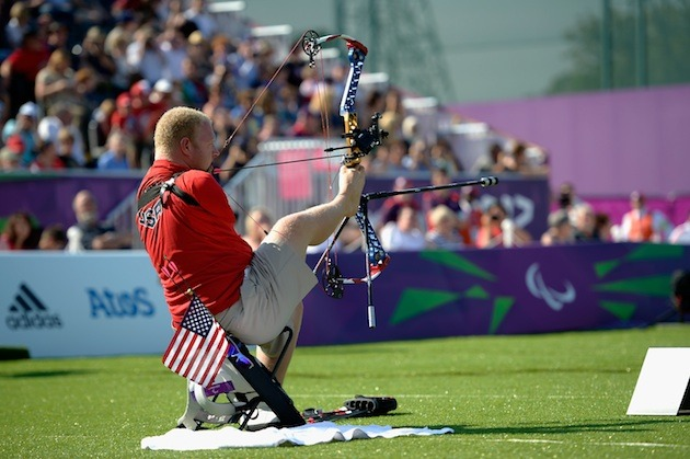 Born Without Arms, This Man Just Won the USA Archery Championship (Video)