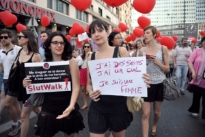 France to Fine Men for Catcalling Women After #ExposeYourPig Goes Viral